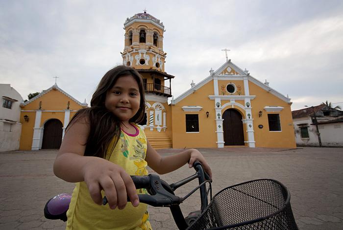 Bimba, chiesa Mompos