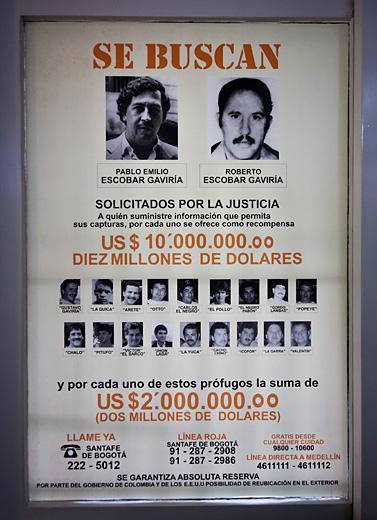 Manifesto taglia Escobar