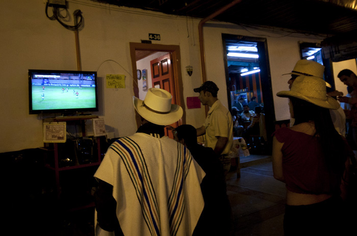 Partita di calcio in tv, Colombia