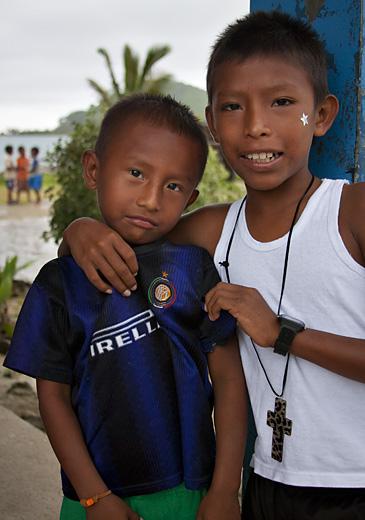 Bambini, villaggio San Blas, Panama