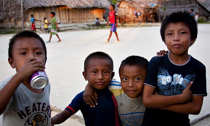 Bambini kuna, Panama